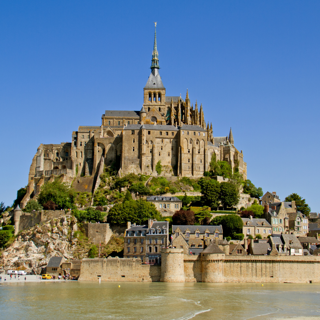 vu d'ensemble du Mont-Saint-Michel
